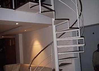 Rede de proteção para escada caracol
